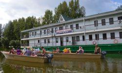 Плавучая-гостиница-дебаркадер1-1-1030x685